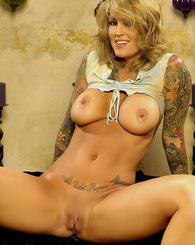Sex vixen Janine Lindemulder is striping down on a hot summer day, all she wants is to feel the cool air all over her sexy body!